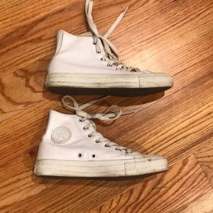 100% leather white converse size 6
